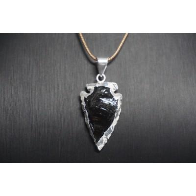 Pendentif pointe de flèche en obsidienne noire